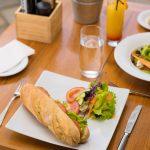 , Manger à Azuri
